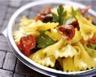 Salade de pâtes et tomates confites
