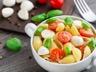 Salade de pâtes mozzarella et tomates