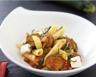 Salade de penne aux courgettes chèvre frais basilic et olives noires