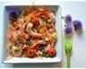 Salade estivale de quinoa crevettes marinées à l'ail et tomates cerises rôties