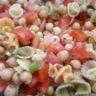 Salade folle de pâtes et pois chiches au basilic