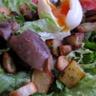 Salade gourmande aux gésiers confits et pommes sarladaises
