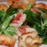 Salade rouget coquille saint jacques et crevettes