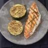 Saumon écossais Label Rouge grillé au fromage frais et à la ciboulette courgettes au sésame