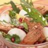 Sauté d'agneau en salade exotique fruitée et épicée