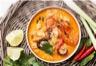 Soupe créole de crevettes et légumes au lait de coco