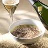 Soupe de lait aux vermicelles et à la truffe avec un champagne de vigneron millésimé