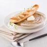 Soupe de lentilles tartine de foie gras et crème à la muscade