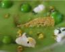 Soupe glacée verte aux fèves petits pois et pistaches