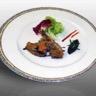 Suprême de pigeonneau du Mont Royal confit à l'huile d'olive et romarin purée à l'ail rose de La...