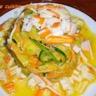 Surimi sur sa salade de légumes