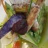 Tartare d'avocat à la chair de crabe légumes cuisinés à la Grecque et jus réduit
