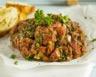 Tartare de bœuf aux cornichons et pesto