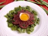 Tartare de boeuf aux haricots plats
