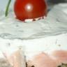 Tartare de saumon d'écosse sur lit de lentilles vertes du Puy parfumé à l'huile de noisette