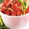 Tartare de Tomates de France Concombre de France et pignons de pin vinaigrette à l'huile de noi...
