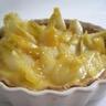 Tarte aux oignons blancs crème d'orange et pavot