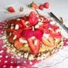 Tarte crumble bretonne au sarrasin rhubarbe et fraises