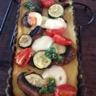 Tarte de polenta aux légumes grillés et basilic