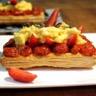 Tarte fine aux oeufs brouillés fraises fraiches & tomates confites