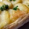 Tarte tatin de pommes de terre au cantal