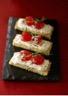 Tartine de harcha aux figues séchées crème de bûchette de chèvre et marmelade
