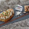Tartine fromagère au St Môret aux crevettes grises et radis noir
