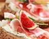 Tartines aux figues jambon cru et fromage frais