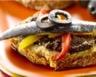 Tartines de tapenade poivrons et sardines marinées