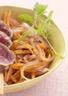 Tataki de Boeuf charolais du Bourbonnais IGP salade d'oignons et de carottes