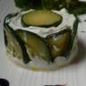 Timbale de tartare de saumon & concombres sauce moutarde à l'ancienne.