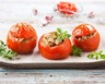 Tomates farcies au thon et aux champignons