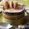 Velours de haricots blancs écume de foie gras brochette de boudin blanc façon cappuccino