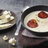 Velouté de chou-fleur chorizo et croustillant d'emmental