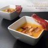 Velouté de potiron brisures de marrons croûtons de pain d'épice et chips de jambon