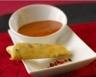 Velouté glacé de poivrons et nems au fromage fouetté