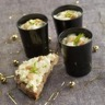Verrine de fromage fouetté Madame Loïk crabe asperges et noix de cajou torréfiées