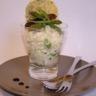 Verrine de risotto aux asperges vertes morilles et estragon tuile de parmesan et pavot