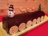 Bûche chocolat / fève tonka & glaçage au chocolat brillant