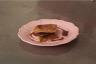 Carrés feuilletés à la ganache au chocolat caramel aux baies roses