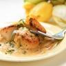 Coquilles St-Jacques à la crème et fondue de poireaux