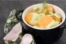 Filet mignon en croûte d'herbes et légumes en cocotte