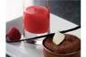 Moelleux au chocolat crème chantilly coulis de framboises