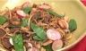Nouilles sautées légumes et boeuf caramélisé