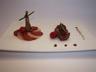 Pigeon en 2 cuissons : cuisse confite au four filet rôti aux parfums de framboise noix et cacao crapaudine et passae-crassane glacées au fond de volaille
