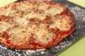 Pizza au thon et à la mozzarella