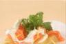 Salade de pommes de terre primeurs au saumon fumé et sauce aigrelette