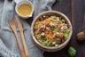 Salade hivernale aux Choux de Bruxelles Carottes Bacon et Noix