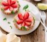 Tartelette sans cuisson aux fraises basilic et yaourt brassé chèvre