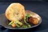 Tourtière de champignons de saison à l'huile de truffe et foie gras poêlé